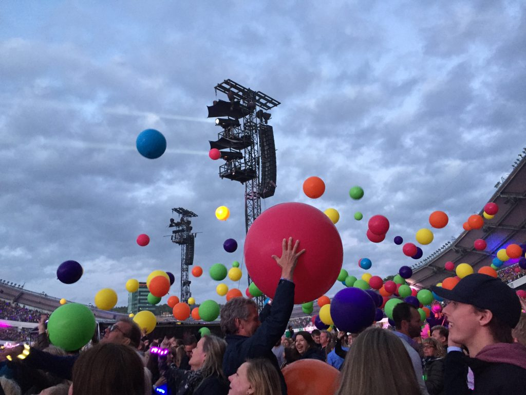 coldplay Ullevi balloons