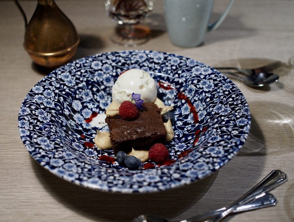 bistro manu suklaakakku
