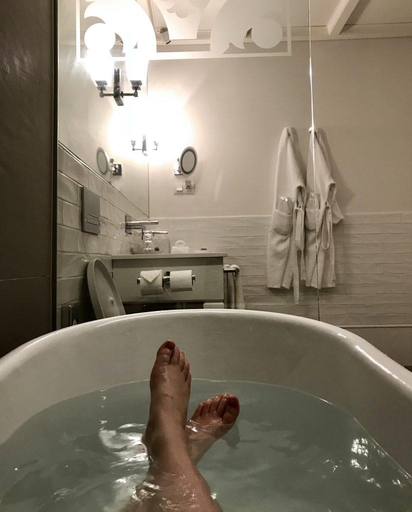 Santiago de Alfama kylpyhuone
